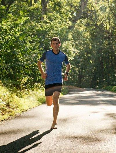 mark-cucuzzella-barefoot-running.jpg
