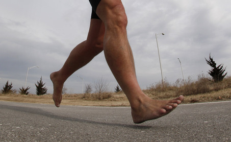 http://thebarefootrunners.org/sites/default/files/AsphaltBarefoot.jpg