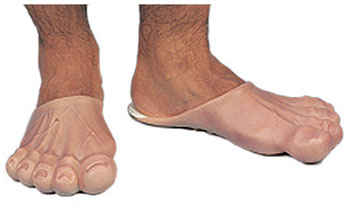 http://thebarefootrunners.org/sites/default/files/a-male-funny-feet.jpg