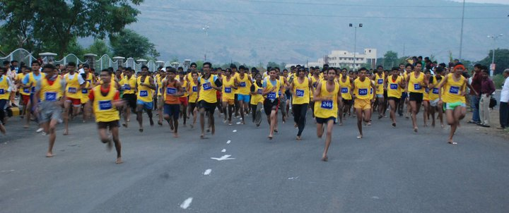 http://thebarefootrunners.org/sites/default/files/indianrunners.jpg