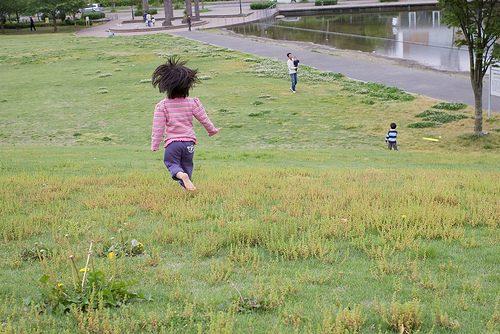 http://thebarefootrunners.org/sites/default/files/kidsrunning.jpg