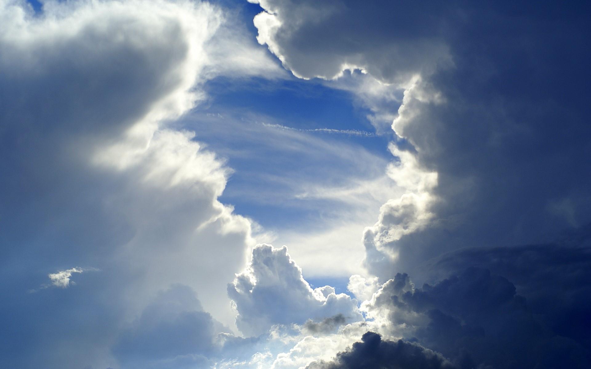 http://thebarefootrunners.org/sites/default/files/sky.jpg